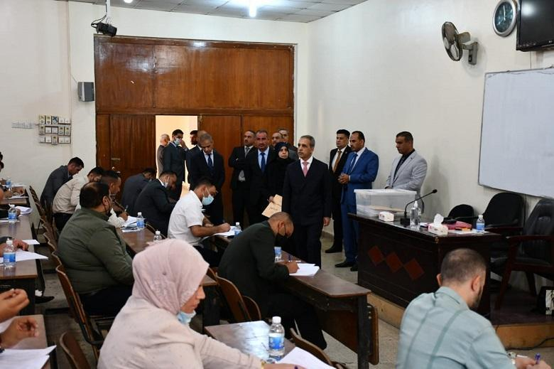 The President of the Supreme Judicial Council inspects the proficiency  exam for applicants to Judicial Institute