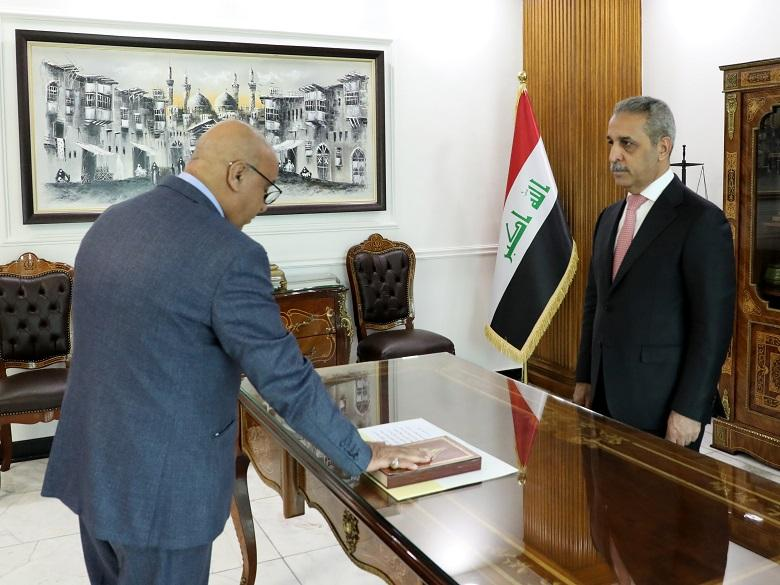 Chief justice of Anbar Appeal Court sworn by President of Supreme Judicial Council