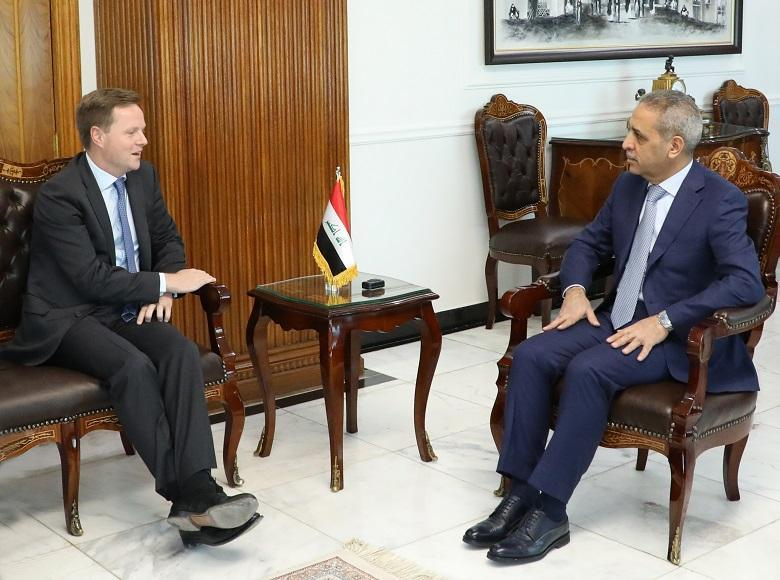 The President of the Supreme Judicial Council receives the Ambassador of the United Kingdom