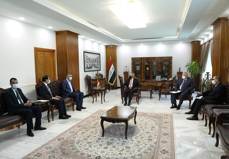 President of the Supreme Judicial Council Discusses with Members of Council of Representatives Complaint Regarding Renew License of Mobile Companies