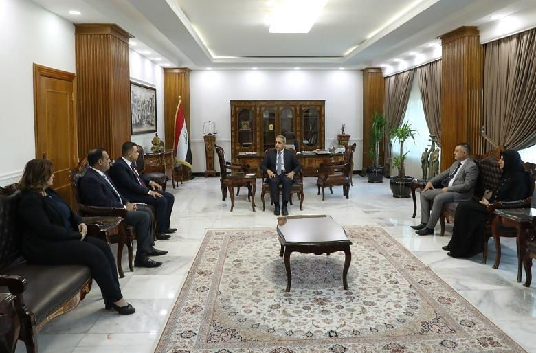 The President of the Supreme Judicial Council receives the Chairman and members of the Committee to Monitor the Implementation of the Governmental Program